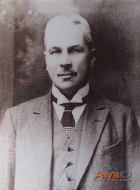 22 - Luis Llarena Monteverde
