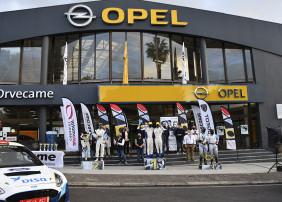 Enrique Cruz y Yeray Mujica repiten oro en la cita automovilística por las carreteras del norte de Tenerife
