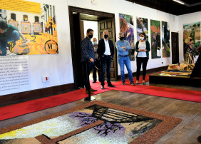 La instalación, tras un año de mejoras y modernizaciones, retorna a la actividad este miércoles 28 de abril y se convierte en el primer centro de interpretación mundial del arte efímero de las alfombras